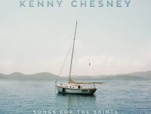 KENNY CHESNEY HITS THE WATER